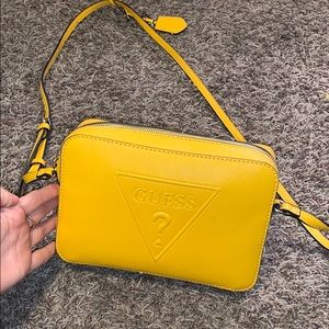 🌟MOVING SALE🌟 Bright Yellow Guess Purse